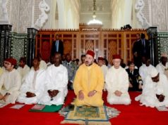king-mohammed-vi-performs-friday-prayer-in-dakar-grand-mosque