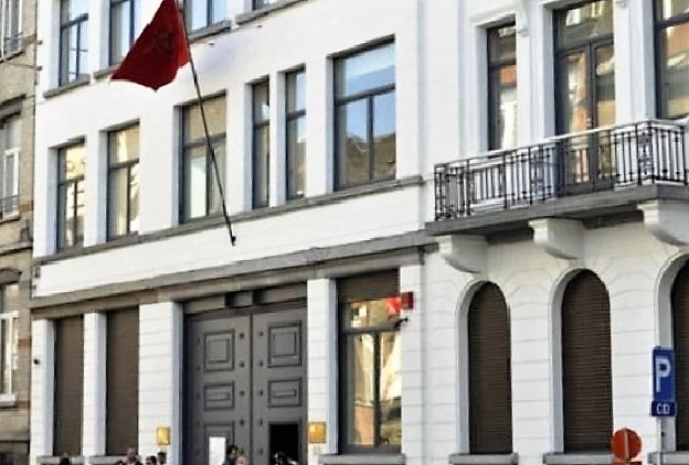 Moroccan Man Sets Himself on Fire in front of Morocco's Consulate in Spain