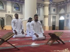 British Boxer Faces Backlash Over Photo of Himself Praying in Dubai Mosque
