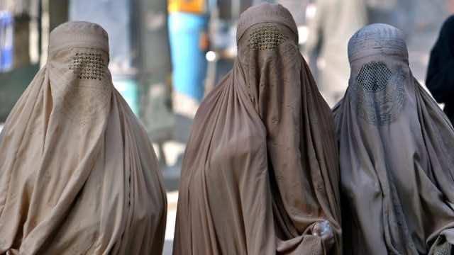 Moroccan Authorities Raid Burqa Stores