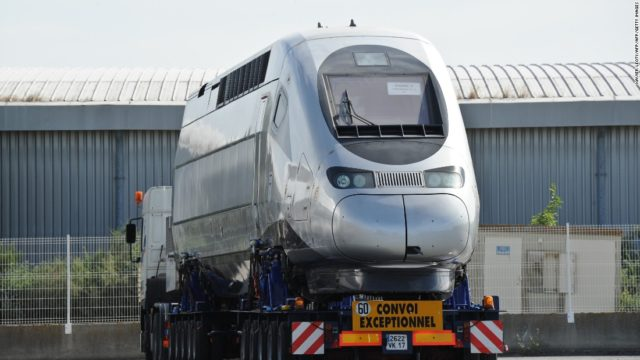 Morocco Receives Carriage of High-Speed Train