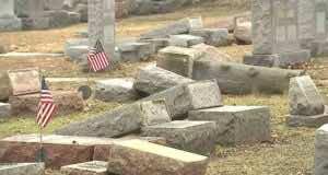 American Muslims Raise Money to Repair Vandalized Jewish Cemetery