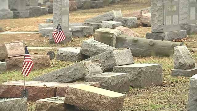 American Muslims Raise Money to Repair Vandalized Jewish Cemetery