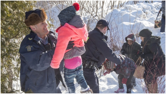 Family of 8 Make Desperate Flight Across US-Canada Border Helped by RCMP