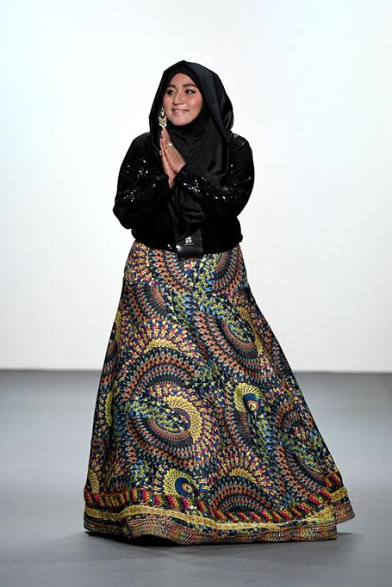 Indonesian fashion designer, Anniesa Hasibuan, is returning to the runway with her second New York Fashion Week collection. Once again, hijabs will be front and centre of her work, according to the UK Independent.