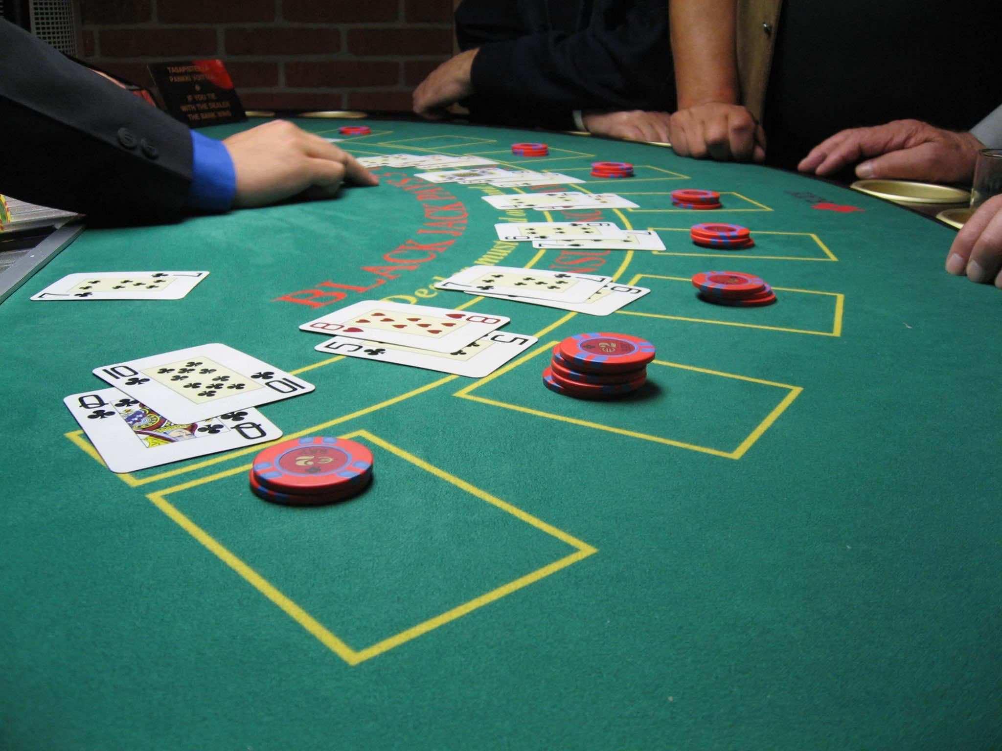roulette dares this is the haunt traducida