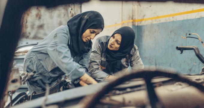Princess Auto: Two Young Moroccan Women Dream Big