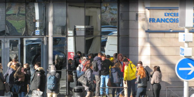 France: 1 out of 5 Moroccan Immigrants Never Attended School