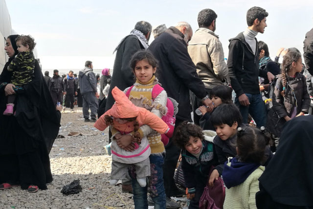 320,000 Civilians May Flee West Mosul
