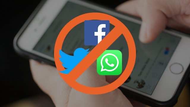 Indian Government Bans Social Media in Kashmir