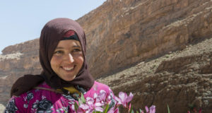 "The ""Anazur Caravane"" Uncovers the Difficult Reality of Moroccan Nomad Women"