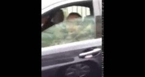 Video: Moroccan Living in Paris Runs into King Mohammed VI