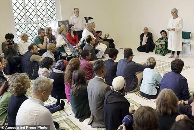 German Woman Opens Liberal Mosque in Berlin