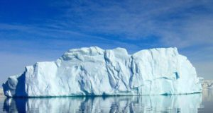 5800 km Square Iceberg Breaks off Coast of Antarctica