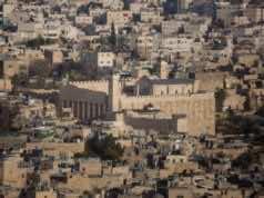 Arab UNESCO Envoy Apologizes to Israeli Envoy Over Hebron Vote