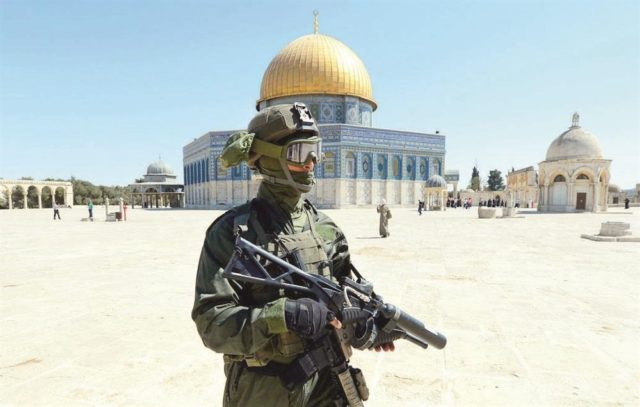 "Al Aqsa Mosque Compound to Re-Open ""Gradually"" on Sunday"