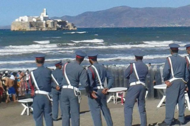 Rif Protests: Riot Police Encircle a Beach Demonstration