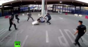 Spanish Police Take Down Knife-Wielding Moroccan at Melilla Border
