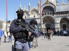 Anyone shouting 'Allahu akbar' in Venice to be shot