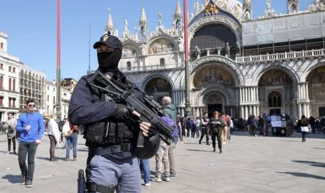 Anyone shouting 'Allahu akbar' in Venice to be shot