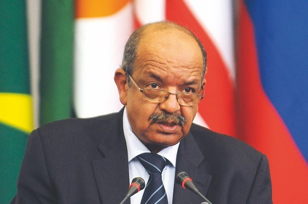 Morocco Warns Algeria of Possible Military Intervention Against Polisario