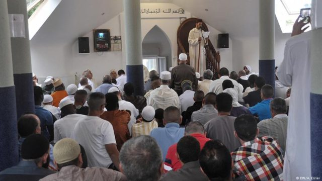 Moroccan Authorities Closely Monitors Mosques Across the Country