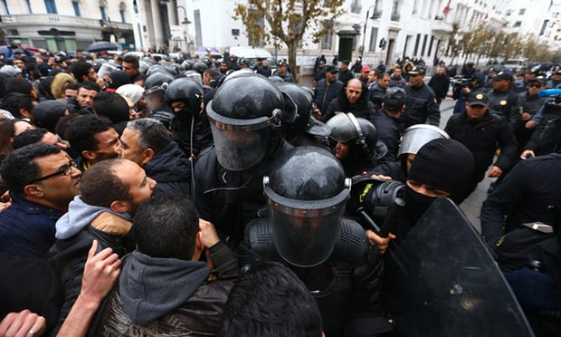 More Than 773 People Arrested as Unrest Continues in Tunisia