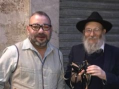 Rabbi Overjoyed to Pose for Photo with King Mohammed VI in Paris