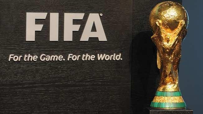 Trump threatens opponents of USA's World Cup bid