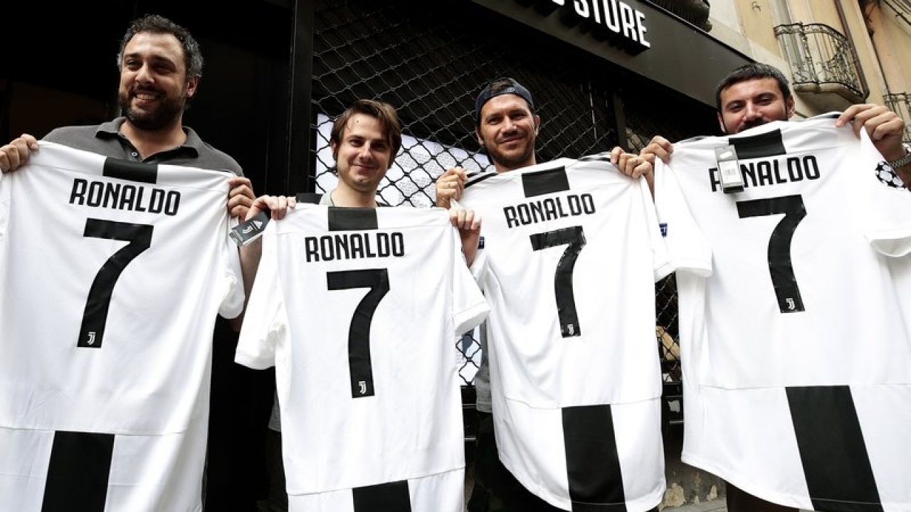 cb00dc843 Juventus Sells 600,000 Copies of Ronaldo's Jersey | Morocco World News