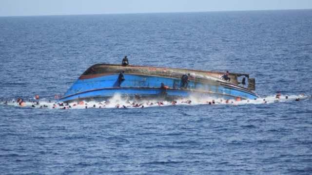 Moroccan Navy Rescues 19 Moroccans off Casablanca