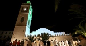 Algeria: 'Collective Street Prayers' Organized to Boycott Festivals