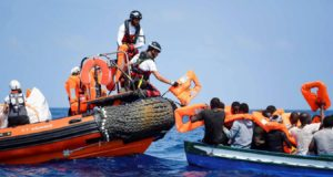 Aquarius Rescues 141 Migrants, Now Looking for Safe Haven