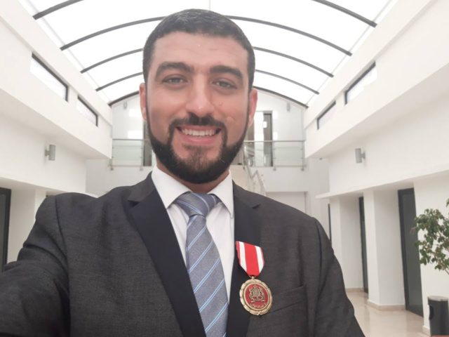 King Mohammed VI Decorates 'Super Prof' at Education Ceremony