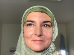 Irish Singer Sinead O'Connor Converts to Islam