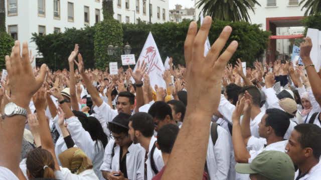Public Doctors Condemn Health Sector Problems, Threaten to Emigrate