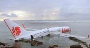 Authorities Retrieve Black Box from Crashed Lion Air Plane