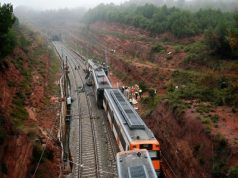 Train Derails in Spain, Kills 1, Injures Dozens