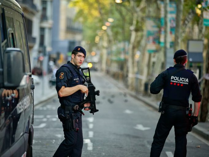 Spanish Police Arrest 4 Moroccans for Stealing News Crew Equipment