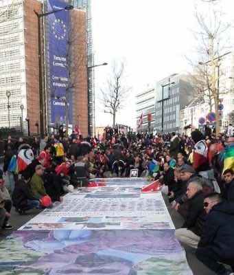 Hirak demonstrators in Brussels