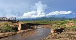 A bridge washed out by heavy rains at Lungwena, southern Malawi. Photo credit: Morocco World News