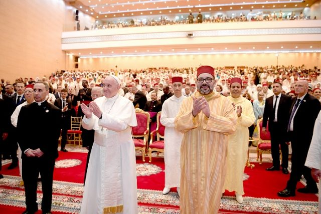 King Mohammed VI and Pope Francis at the Institue of Mohammed