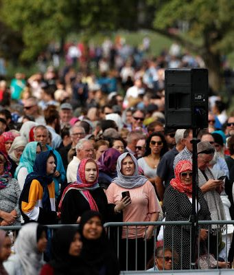 'We Are One': Thousands of New Zealanders Unite in Mourning