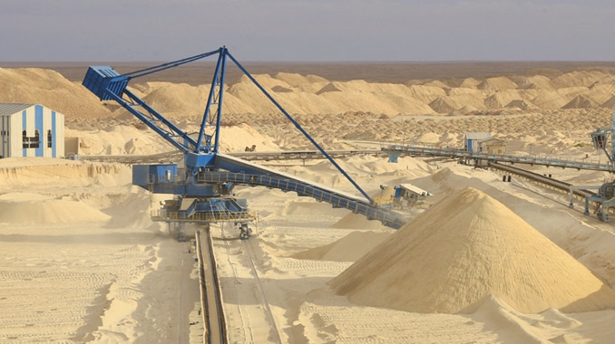 Algeria's Phosphate Mega-Project to 'Compete with Morocco' Sees Setbacks