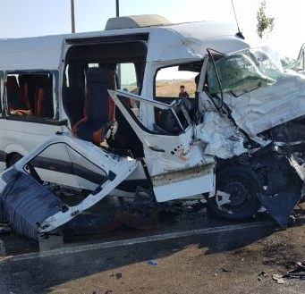Three people were killed and 14 others injured in a traffic accident on Saturday in Tangier