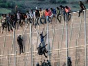Hundreds of Migrants Rush Border Fence in Melilla