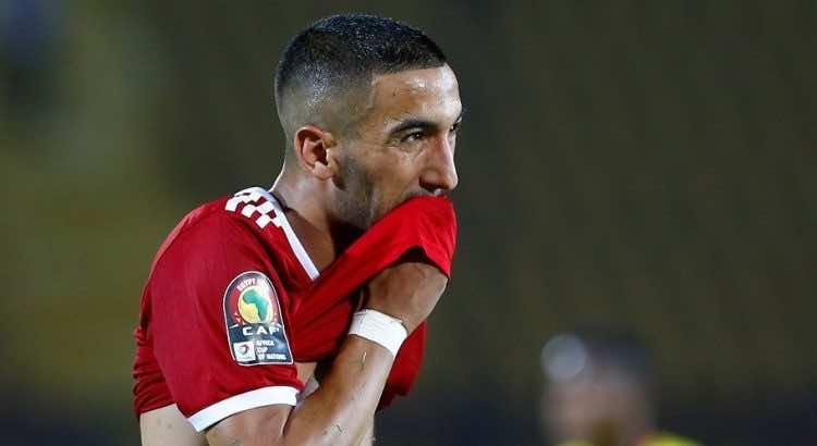 Ziyech uitgejouwd door eigen fans Marokko, Trainer woedend! (Beelden)