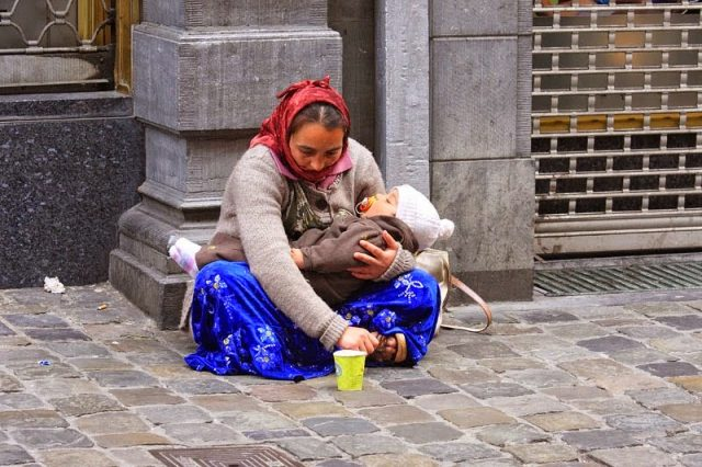 Moroccan Police to Launch DNA Testing for Professional Beggars' children
