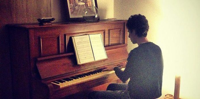 Watch This Moroccan Teen Play the National Anthem on Piano