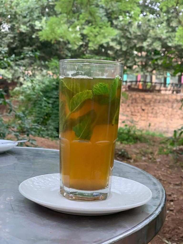 Cafe Saqiya tea